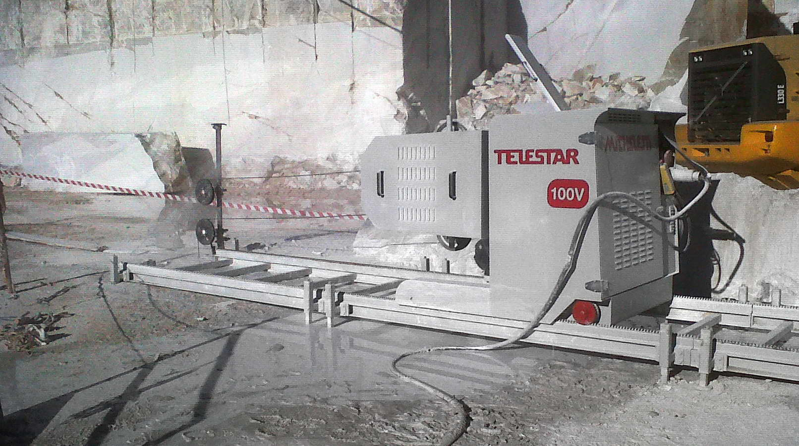 Telestar Plus diamond wire quarrying machine